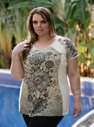 Blusa Plus Size Longa Renda Lateral