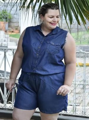 Macaquinho Plus Size Azul Jeans Manga Desfiada