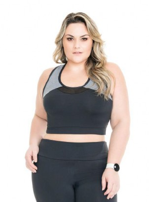 Top Plus Size com Recortes