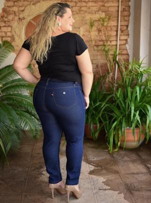 f3eb1c77d Calça Plus Size Skinny Cropped com Cinto