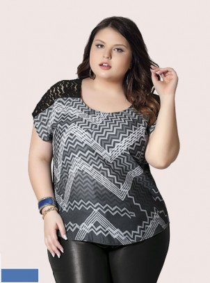 Blusa Plus Size Estampa e Renda